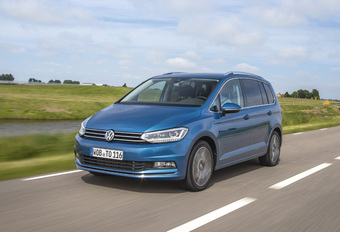 Volkswagen Touran: petit Sharan, grand Sportsvan #1