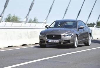 Jaguar XE 2.0t 200 A #1