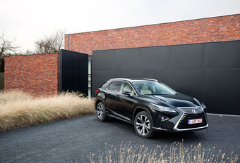 Lexus RX 450h : Question de style #1