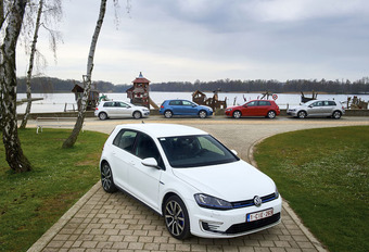 Special green-vijfkamp Volkswagen Golf : 1 auto, 5 aandrijvingen #1
