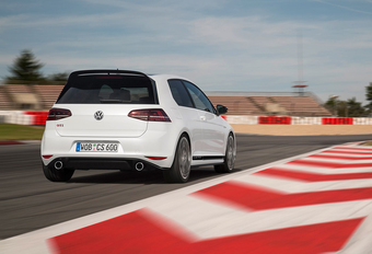 Volkswagen Golf GTI Clubsport (2016) #1