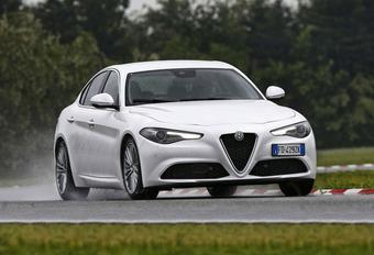 Alfa Romeo Giulia 2.2 JTDM 180 : Manueel nog leuker? #1