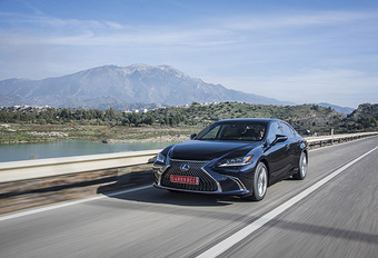 Lexus ES 300h : Confortmobile #1