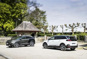 Het is lastig om het onderscheid te maken tussen de nieuwe Peugeot 3008 en 5008, die allebei uitgesproken SUV-trekken hebben. Om de keuze te vergemakkelijken, hebben we de belangrijkste verschillen samengevat.