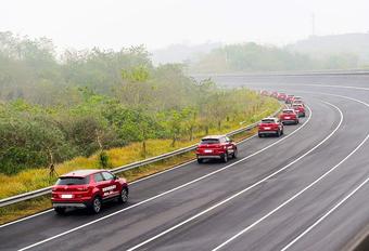 Een sliert van 55 wagens heeft gedurende 9 minuten autonoom achter elkaar gereden. Welke constructeur mag dit Guinness-wereldrecord achter zijn naam schrijven?