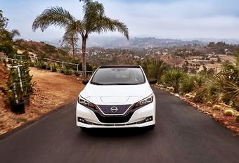 Terwijl de meeste constructeurs hemel en aarde verzetten om een eerste elektrische auto productieklaar te krijgen, is Nissan al aan de tweede generatie van de Leaf toe. AutoWereld doet de videotest.