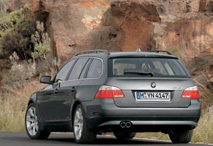 bmw s rie 5 touring 520d 120kw 2004 prix moniteur automobile. Black Bedroom Furniture Sets. Home Design Ideas