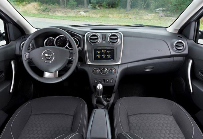 dacia sandero 1 5 dci 75 laureate 2012 prix moniteur automobile. Black Bedroom Furniture Sets. Home Design Ideas