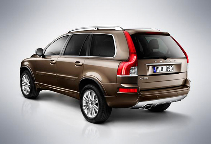 volvo xc90 d5 awd summum geartronic 2002 prix moniteur automobile. Black Bedroom Furniture Sets. Home Design Ideas