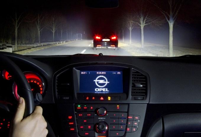 Opel développe des phares qui suivent le regard #1