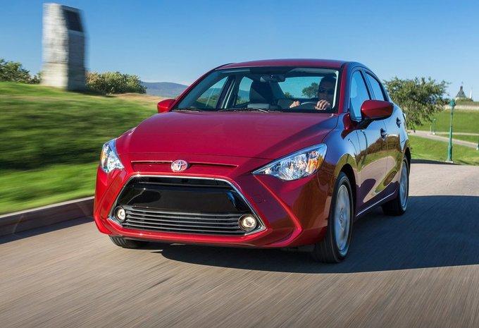 Toyota Yaris Sedan : Mazda 2 en Amérique #1