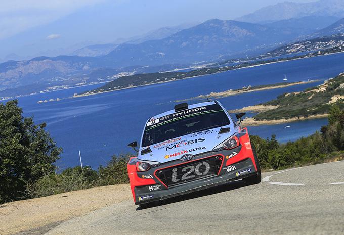 Thierry Neuville voorlopig knap tweede in rally van Corsica #1