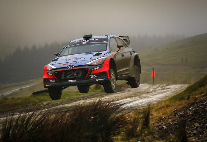 AutoWereld naar de Rally van Wales (1): Thierry Neuville voorlopig derde #1