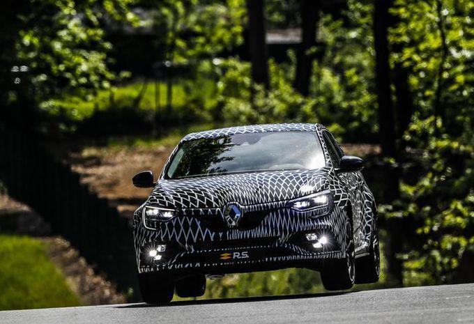 4 roues directrices et 2 châssis pour la Renault Mégane R.S. #1