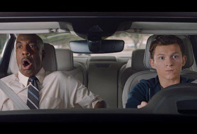 Spiderman apprend à conduire en Audi A8 #1