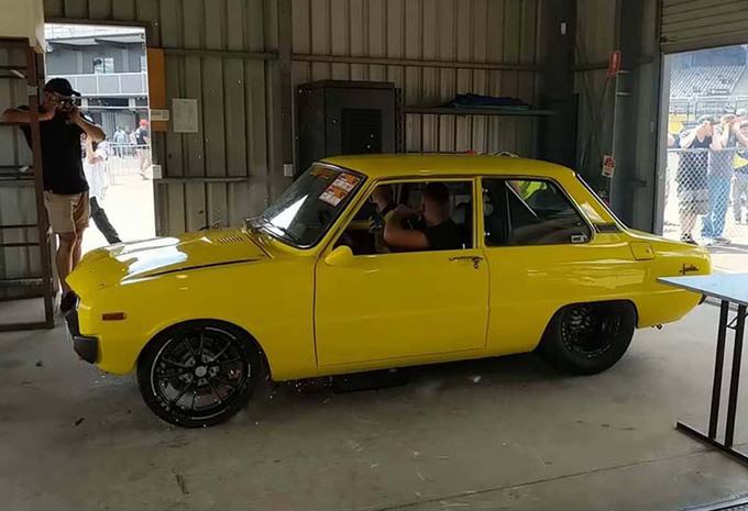 BIJZONDER – Rotatiemotor van Mazda Familia ontploft #1