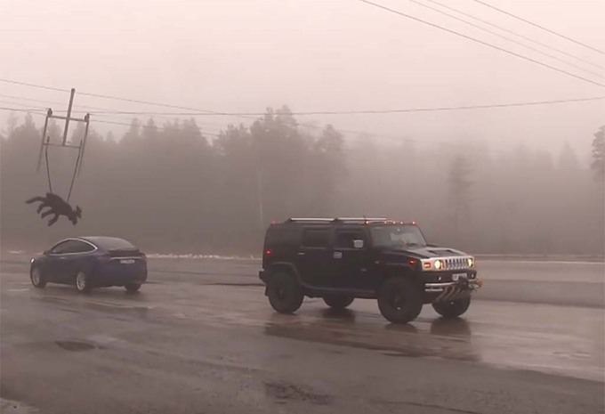 Hummer vs Tesla Model X : Pas celui qu'on croit #1