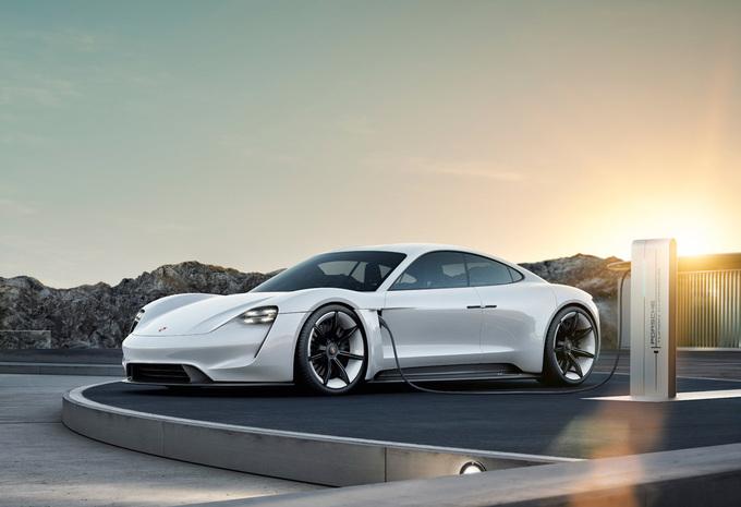 Productieversie Mission E heet Porsche Taycan #1