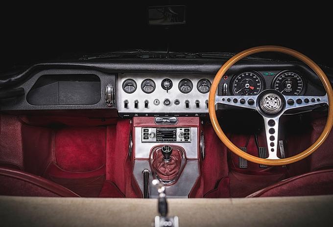 Jaguar Land Rover lanceert nostalgische autoradio #1