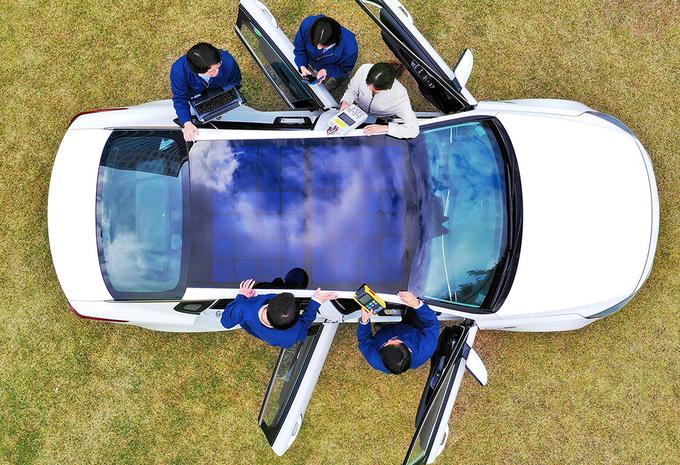 Hyundai et Kia développent 3 types de panneaux solaires pour voiture #1