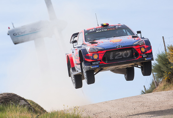 Thierry Neuville toch nog tweede in zware rally van Portugal #1