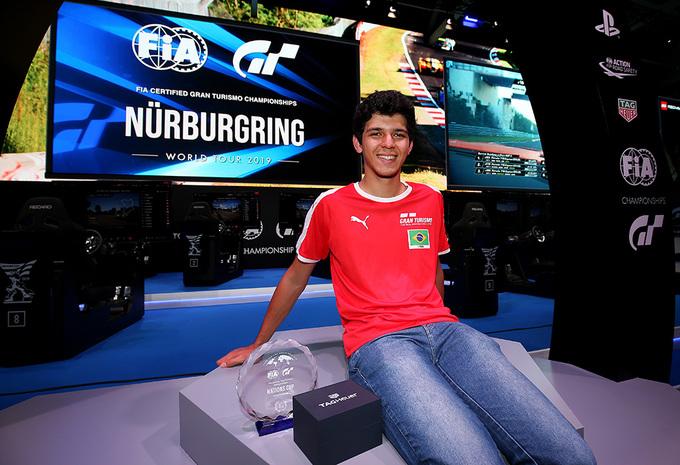 Gran Turismo: Igor Fraga wint weer op World Tour Nürburgring #1