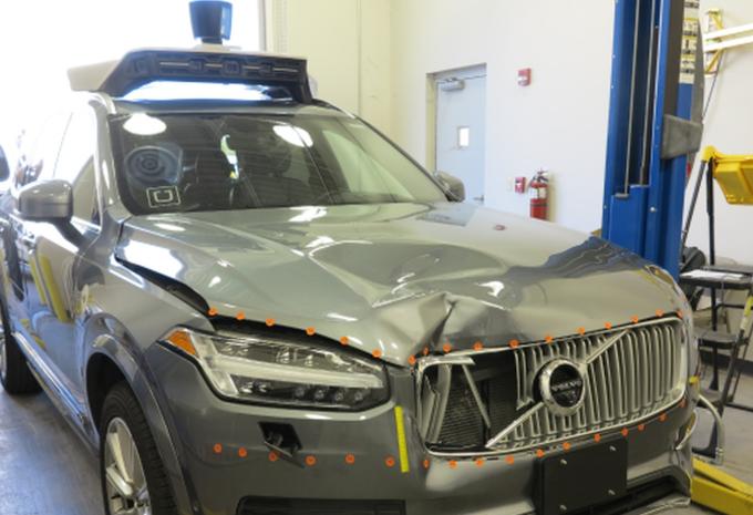 Autonome auto Uber: voetganger werd gezien als obstakel #1