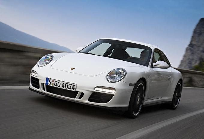 Porsche 911 Carrera GTS  #1