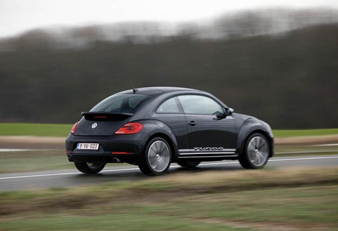 images volkswagen beetle 2 0 tsi 200 moniteur automobile. Black Bedroom Furniture Sets. Home Design Ideas