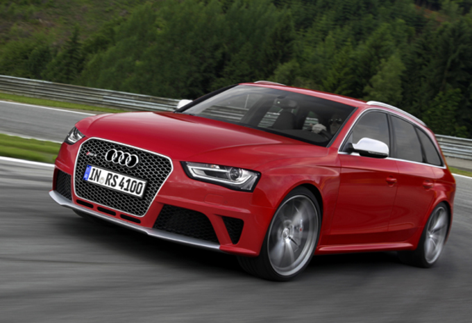 Audi RS4 Avant #1