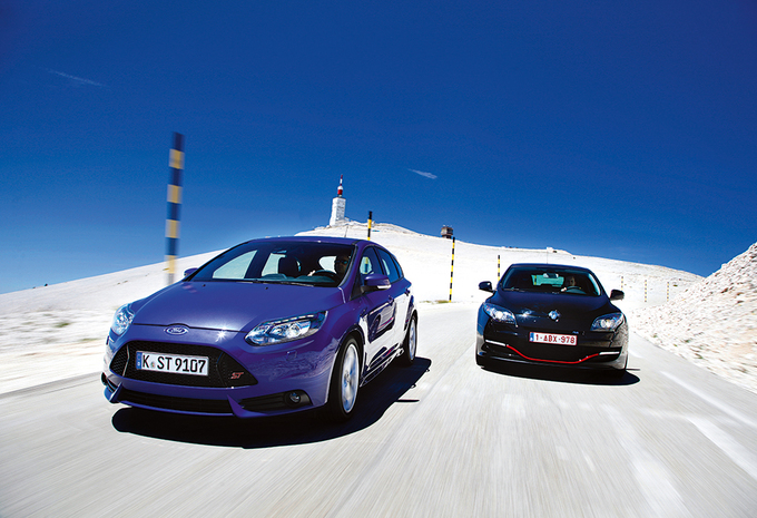 Ford Focus ST vs Renault Mégane RS : Hoogspringen #1