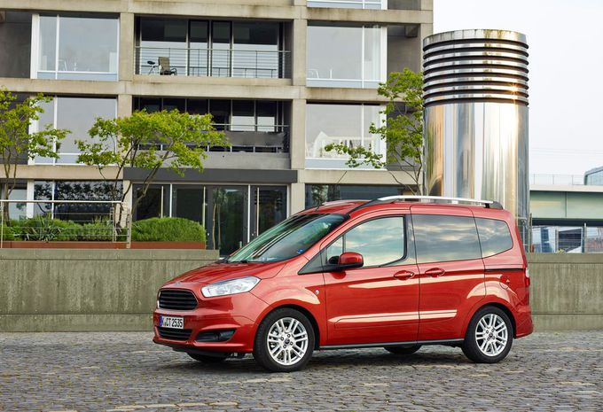 Ford Tourneo Courier #1