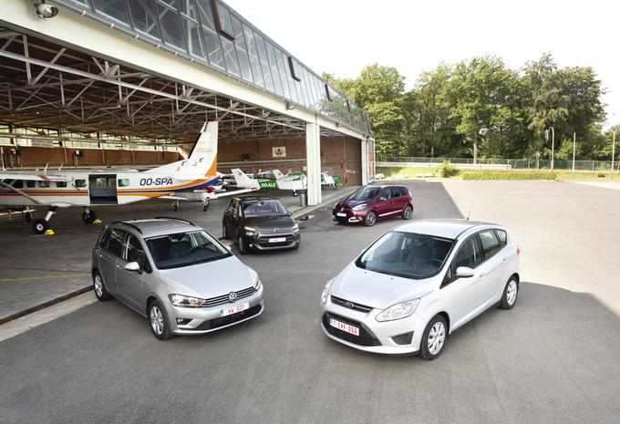 Citroën C4 Picasso 1.6 e-HDi 115, Ford C-Max 1.6 TDCi 115, Renault Scénic 1.5 dCi 110 en Volkswagen Golf Sportsvan 1.6 TDI 110 : Zand in de ogen #1