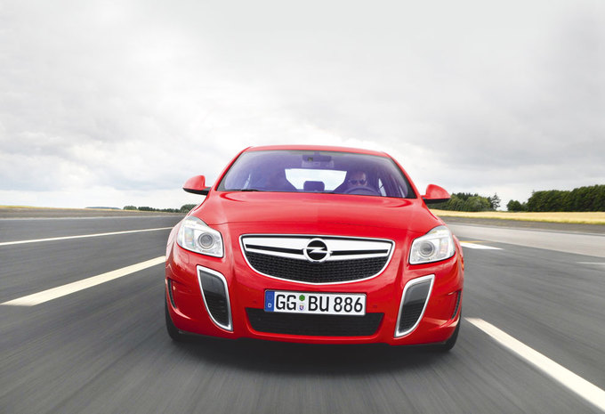 OPEL INSIGNIA OPC UNLIMITED (2011) #1