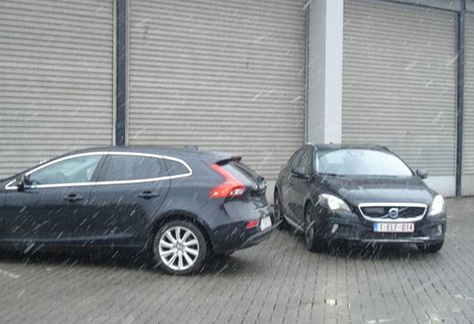 VOLVO V40 CROSS COUNTRY D3 (2) #1