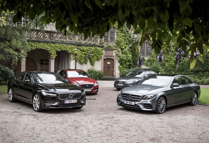 Volvo S90 face à 3 rivales #1