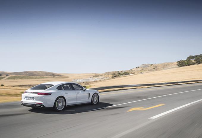 Porsche Panamera 4 E-Hybrid (2017) #1