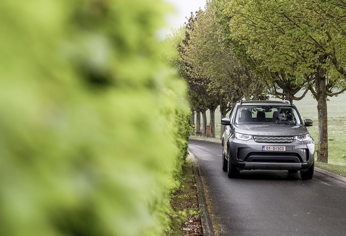 Land Rover Discovery 2.0 Sd4 : 4x4 pour familles nombreuses #1