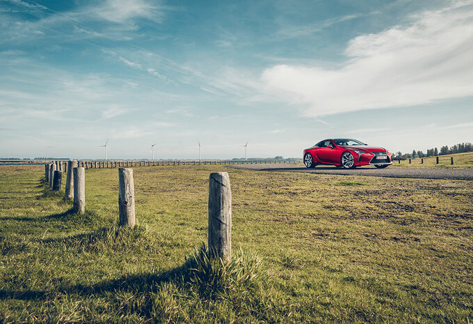 LEXUS LC 500h : Rode  hybride #1