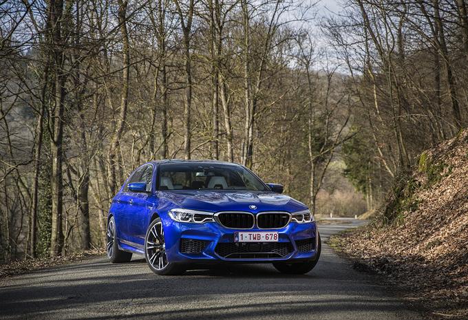 BMW M5 : drifteur en 4x4 ou 4x2 #1