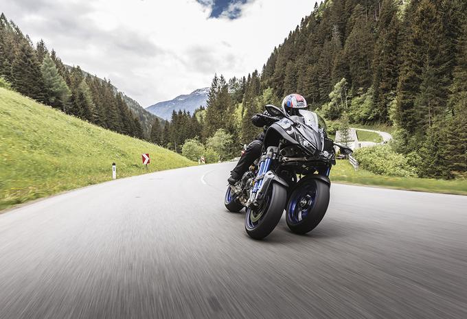 Yamaha Niken : Rencontre d'un nouveau type #1