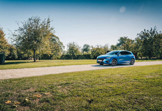 FORD FOCUS 1.0 ECOBOOST : Ontbolstering #1
