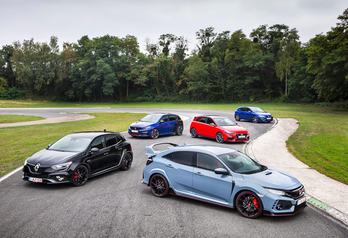 5 Hot Hatches : Kunst- en vliegwerk #1