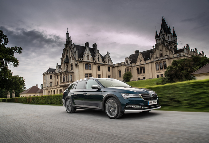 Skoda Superb Scout 2.0 TDI 190 (2019) #1
