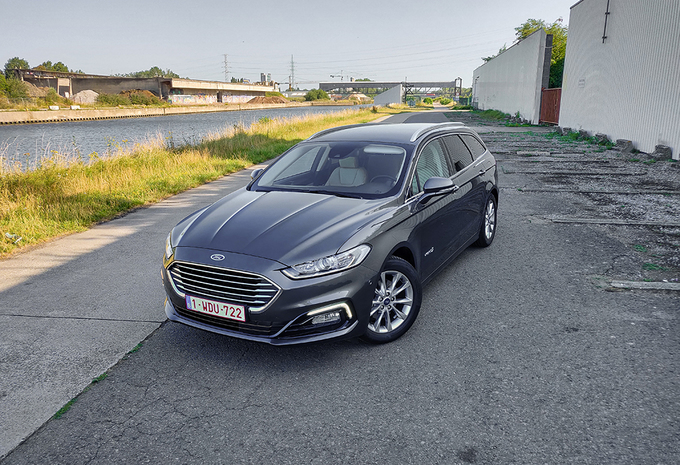 Ford Mondeo Clipper Hybrid (2019) #1