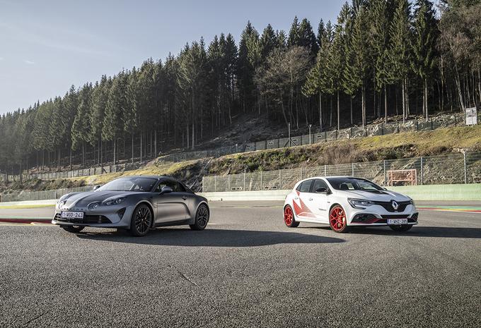 Renault Mégane R.S. Trophy-R vs Alpine A110S #1