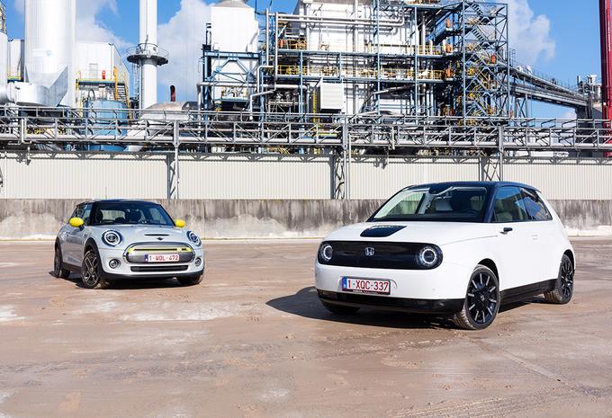 Twee elektrische stadsauto's : Retro en hightech  #1